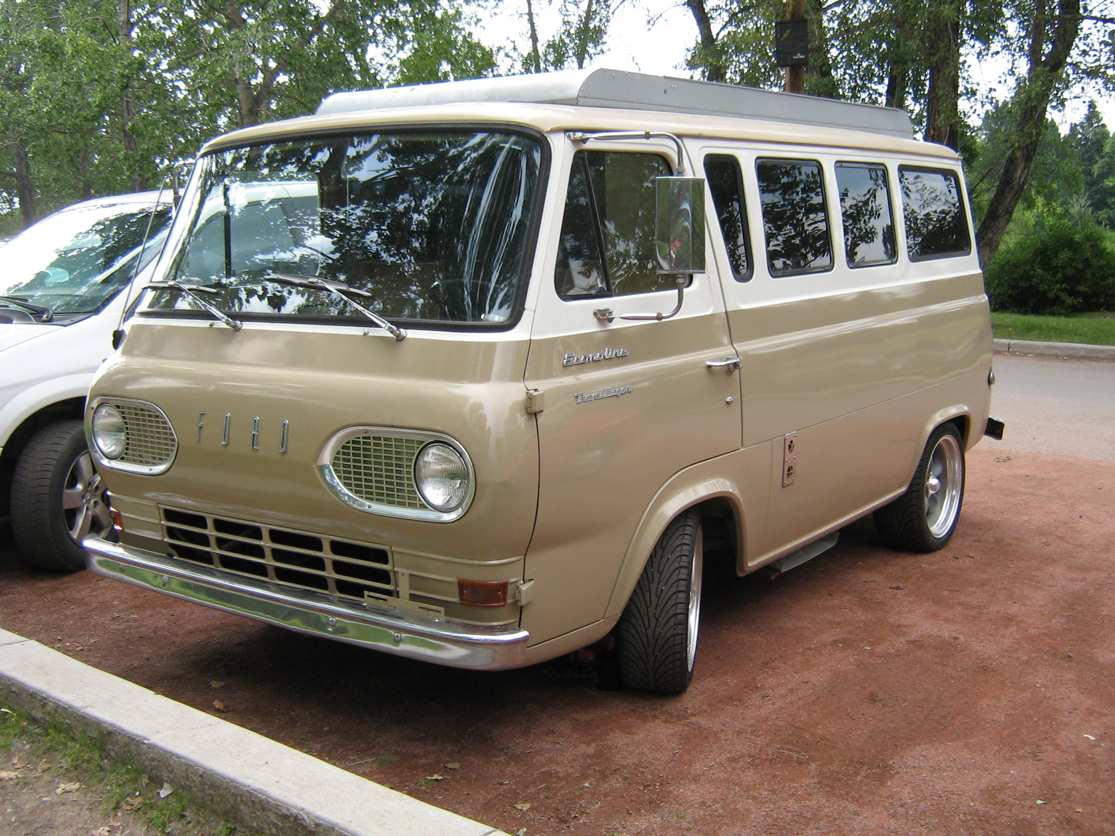 In Defense of the Econoline | Will B. Mackintosh